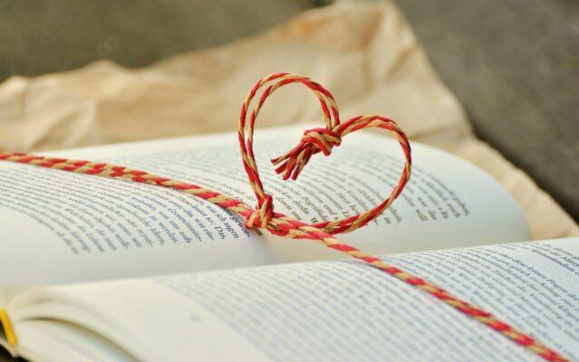 Mindenki azt olvas, amit akar, avagy három romantikus könyv, amit nem szabad kihagyni